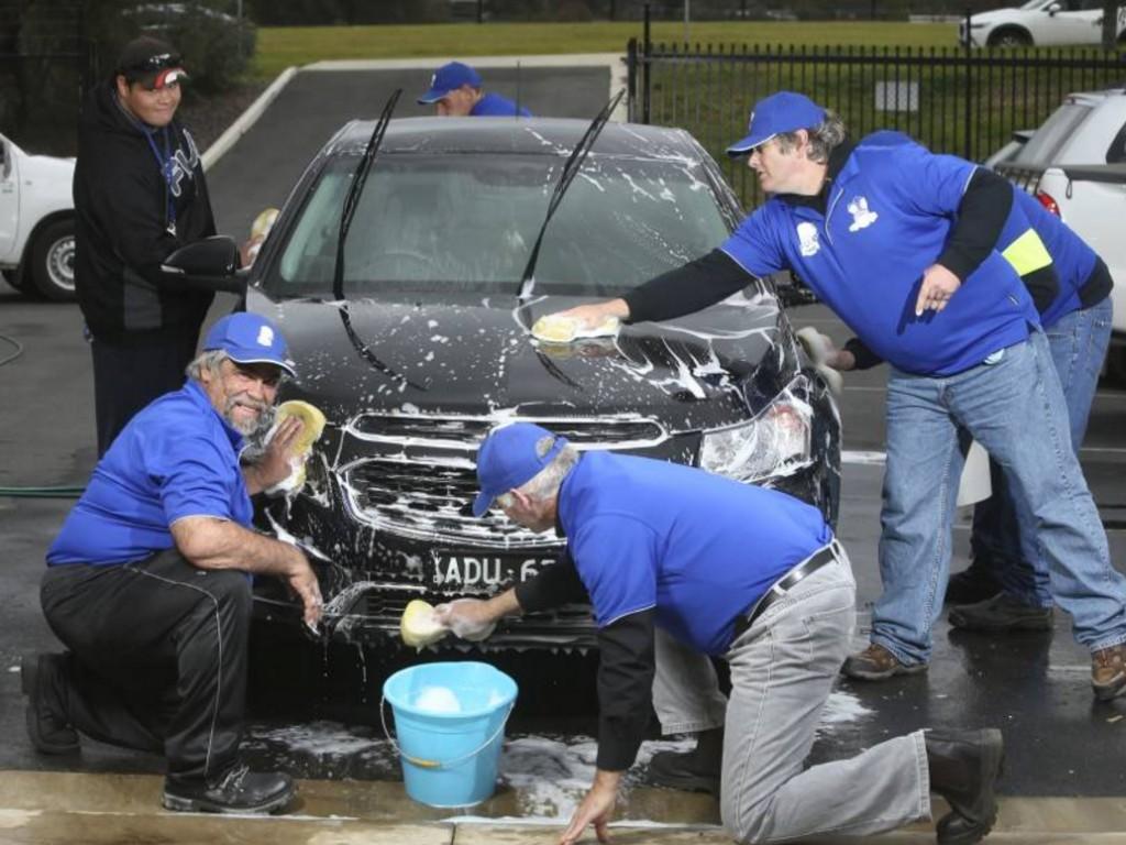 知的障害のある方たちが始めた洗車ビジネス