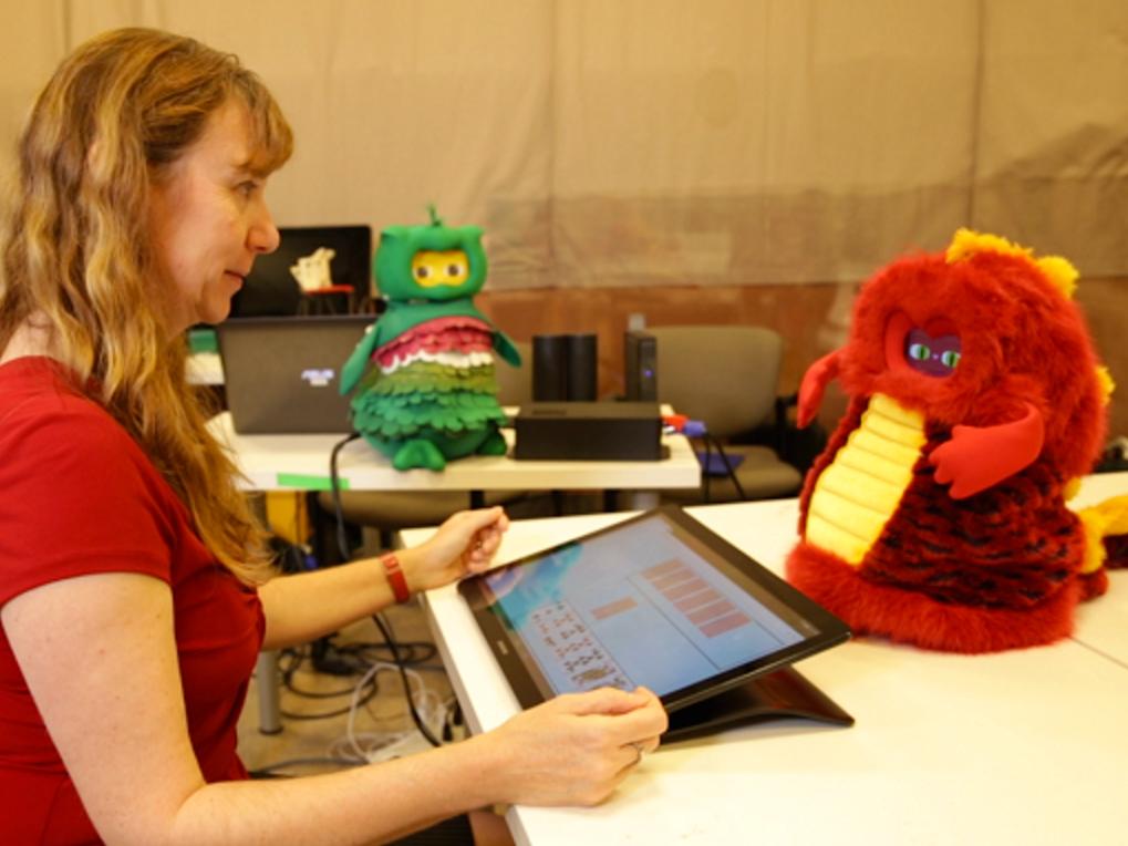 発達障害の子を助ける心理療法士を目指すロボット bot1
