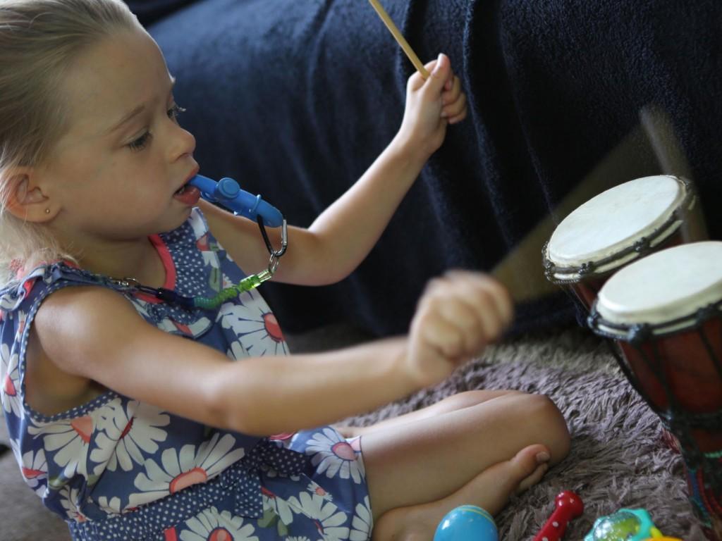 話せなかった発達障害の少女を音楽が変えた