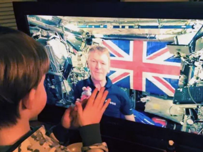 宇宙飛行士が発達障害の息子を変えた u1