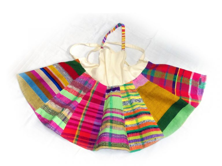 さをり織りの子ども向けエプロンなど・あかねの会清水実習所