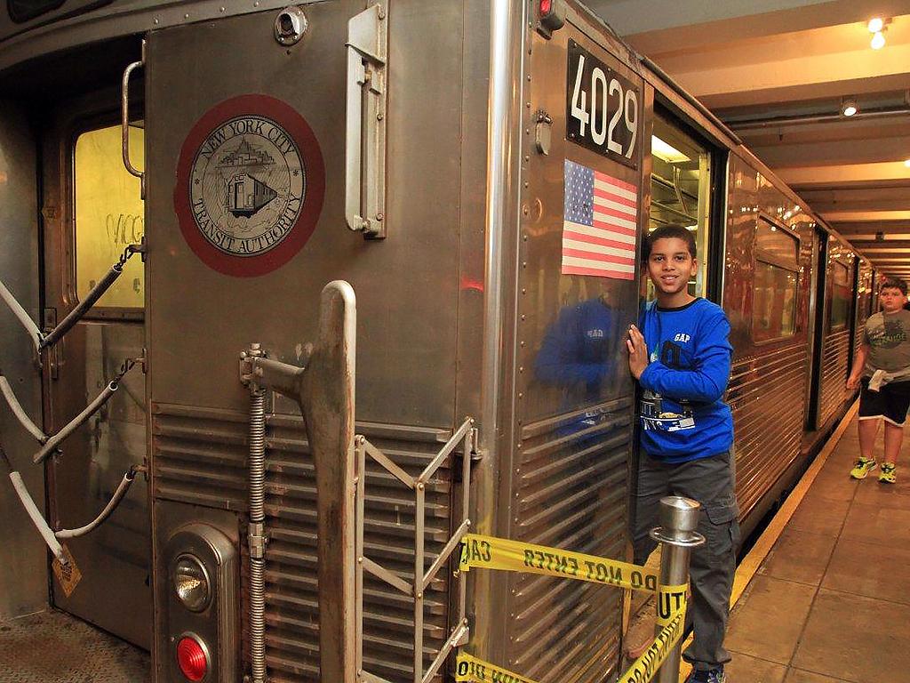 発達障害の子どもたちが地下鉄を使って学ぶ