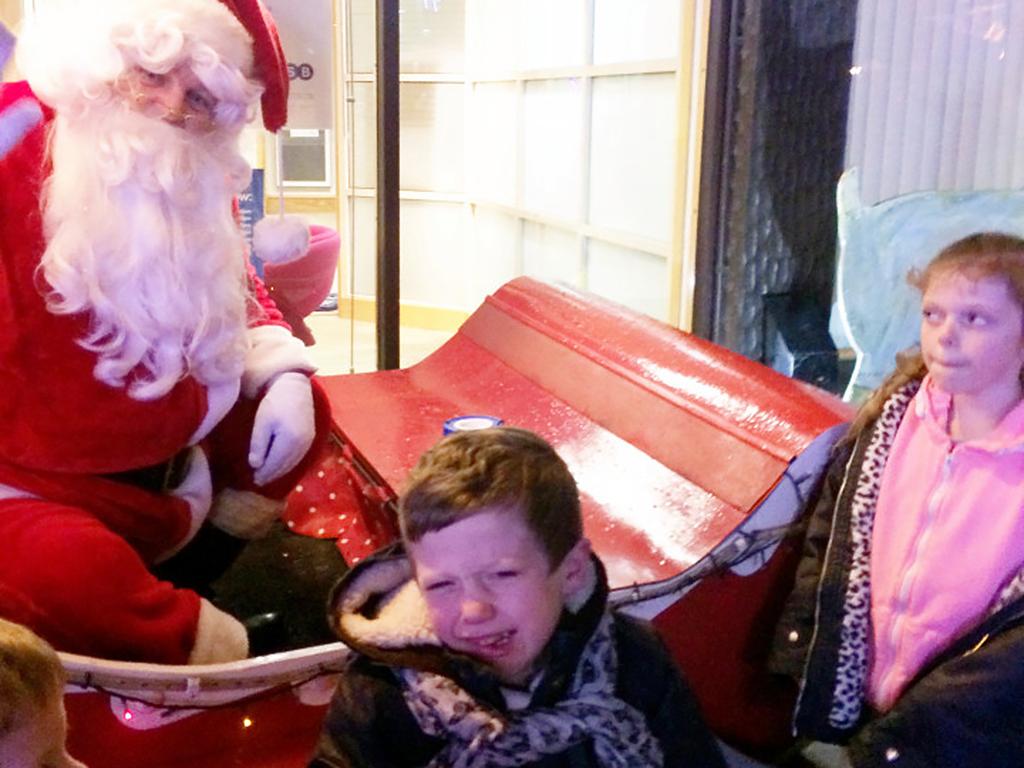 発達障害の息子の母、サンタをぶん殴る。
