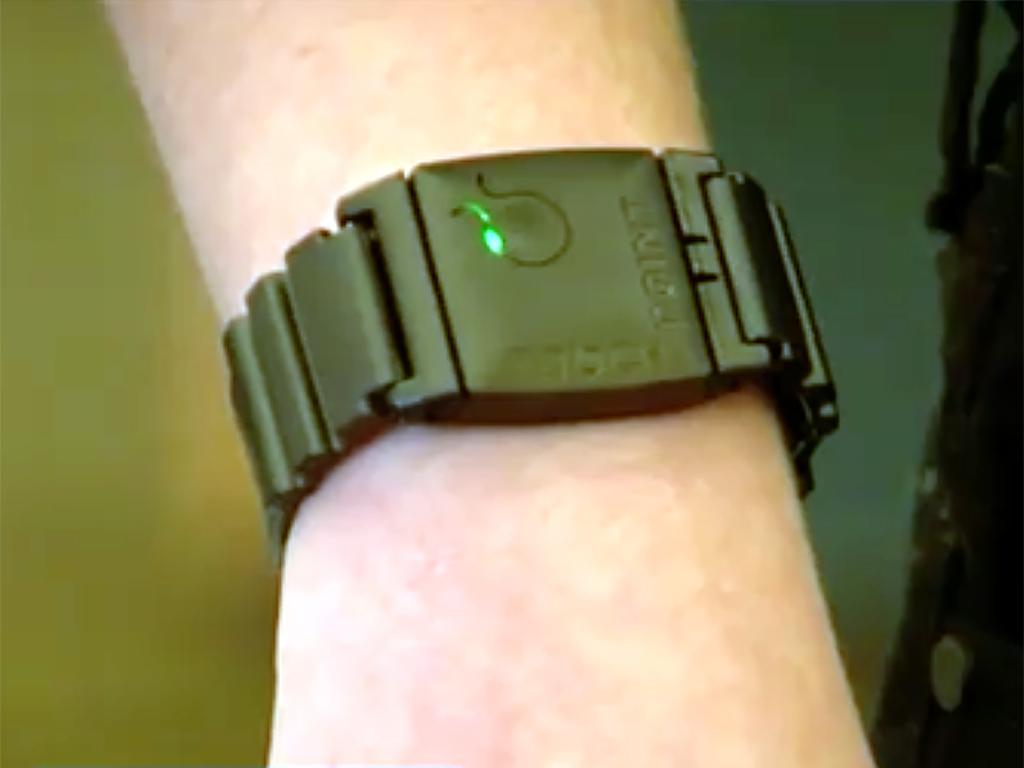 発達障害の子を落ち着かせる腕時計型の装置