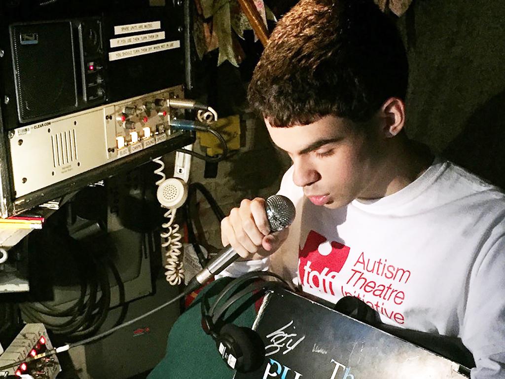 発達障害青年が発達障害にやさしい劇を作る