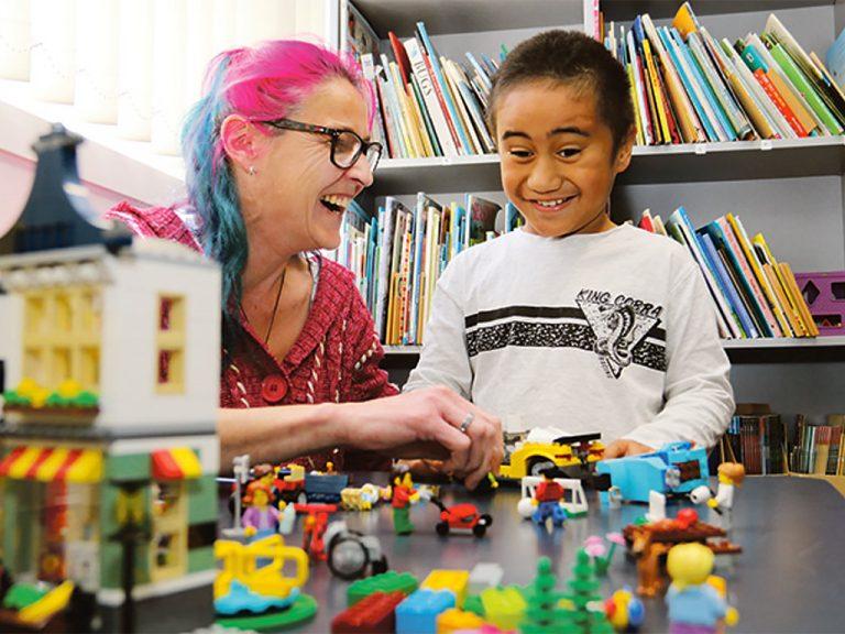 発達障害の子の意思疎通に役立つレゴの療育