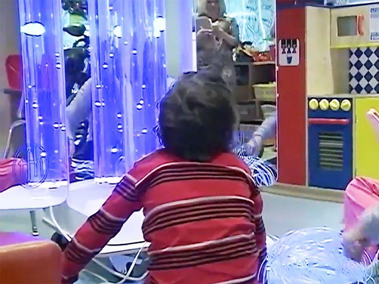 発達障害の子どもたちがリラックスする装置