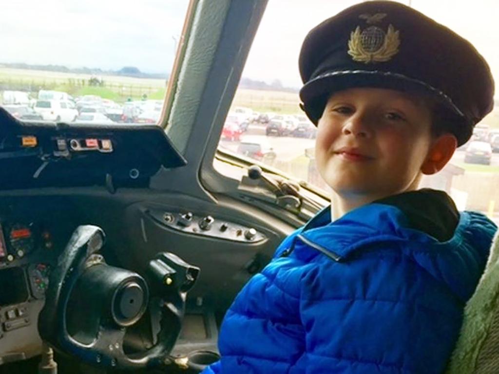 発達障害の子が飛行機に乗れるように見学会