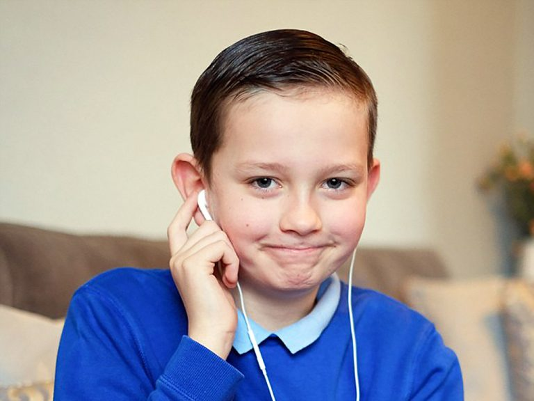 音楽で発達障害の息子は話し始め歩きだした