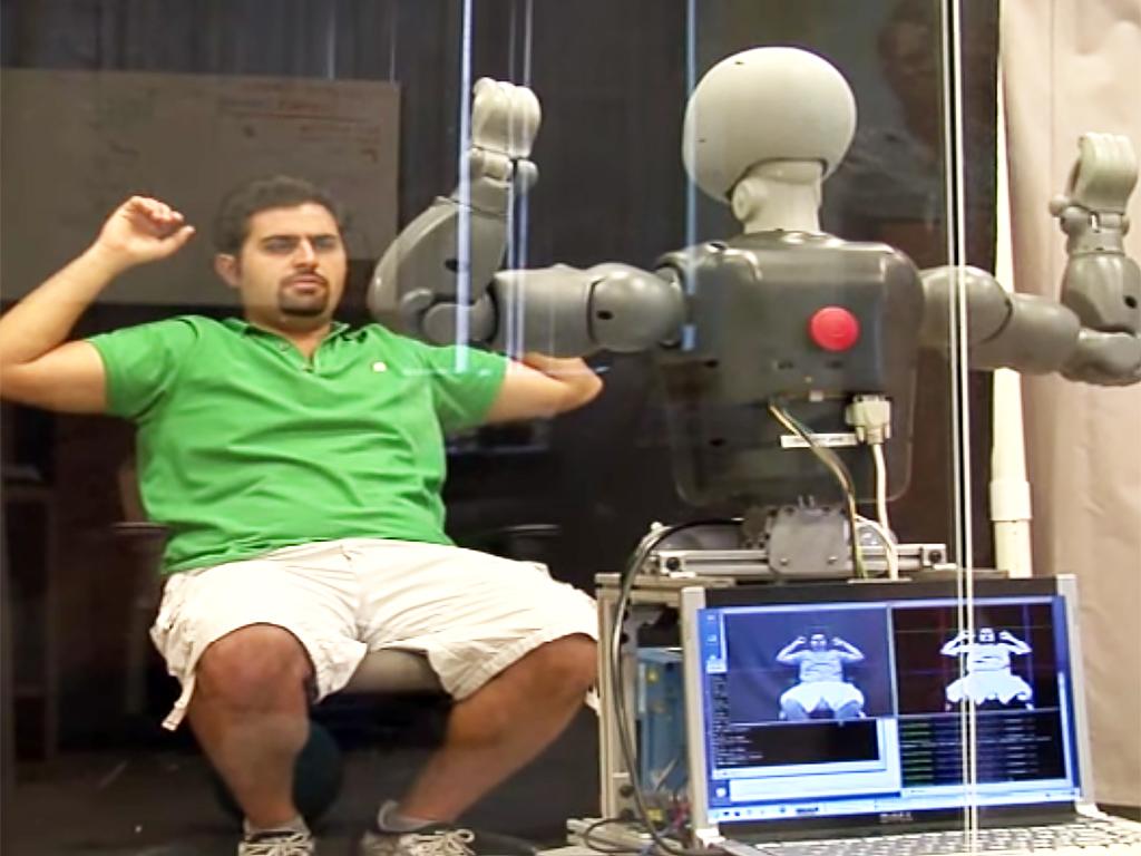 発達障害の人の社会性を育む支援ロボット r1