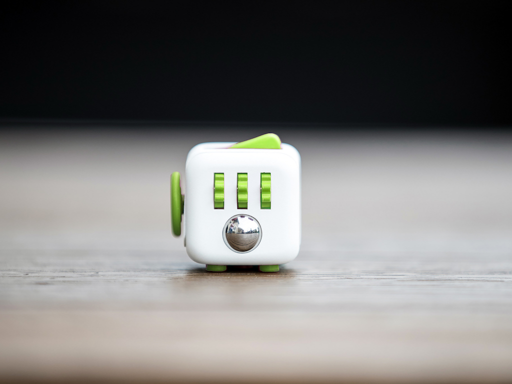 Fidget Cube 本物のフィジェットキューブ・Antsy Labs Fidget_Cube_Fresh2