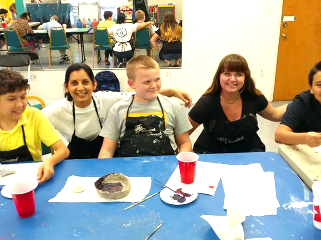 自閉症の子どもたちと親を助けるアート教室 a3