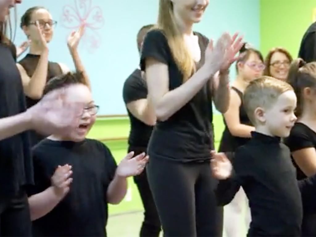 特別支援が必要な子どもたちへのダンス教室 d1