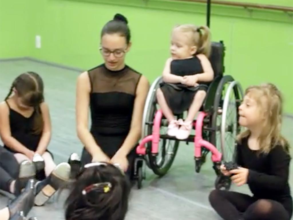 特別支援が必要な子どもたちへのダンス教室 d5