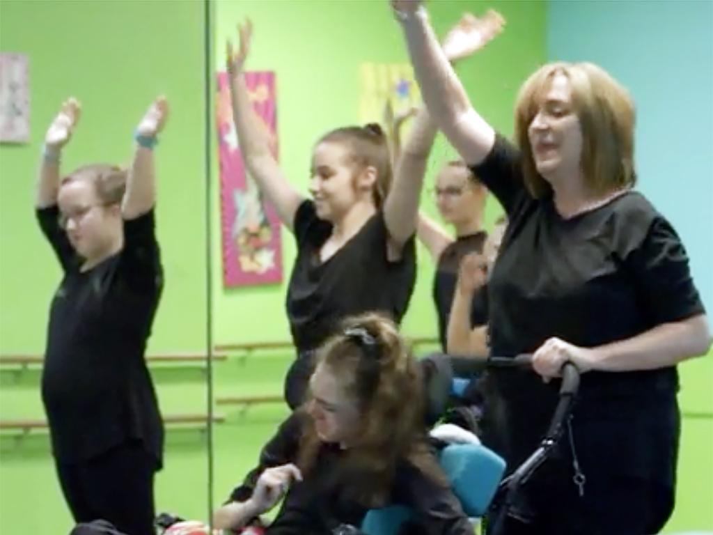 特別支援が必要な子どもたちへのダンス教室 d6