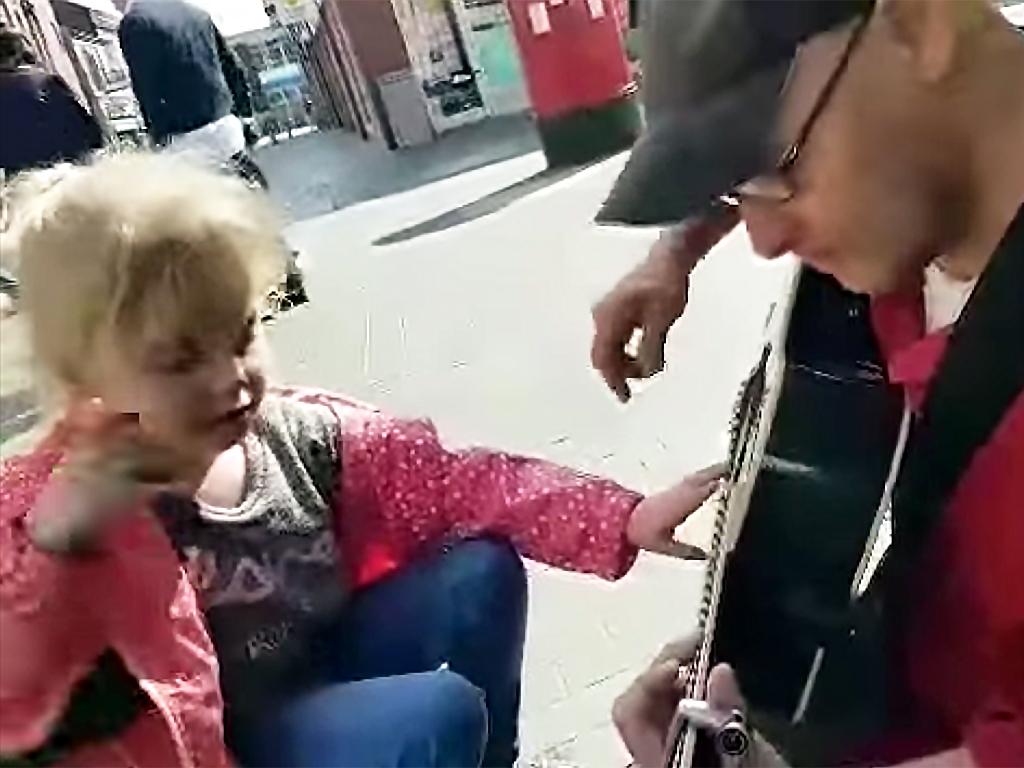 発達障害の子とのうれしい機会を音楽が生む g3-1