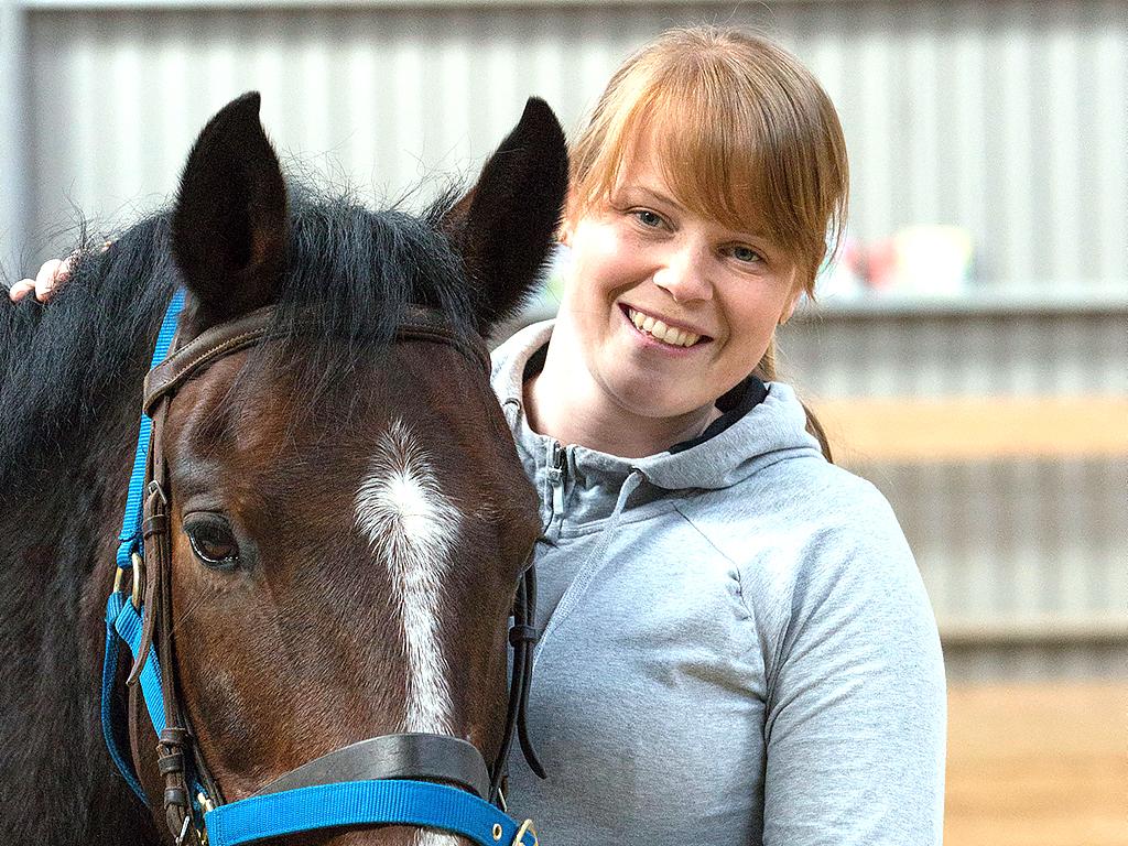 発達障害の子に効く乗馬療法。1分間に百歩 h1-1