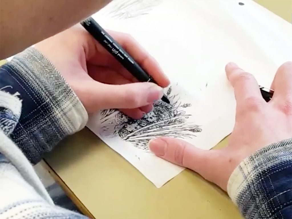 発達障害青年は自分を重ねイラストを描いた h1