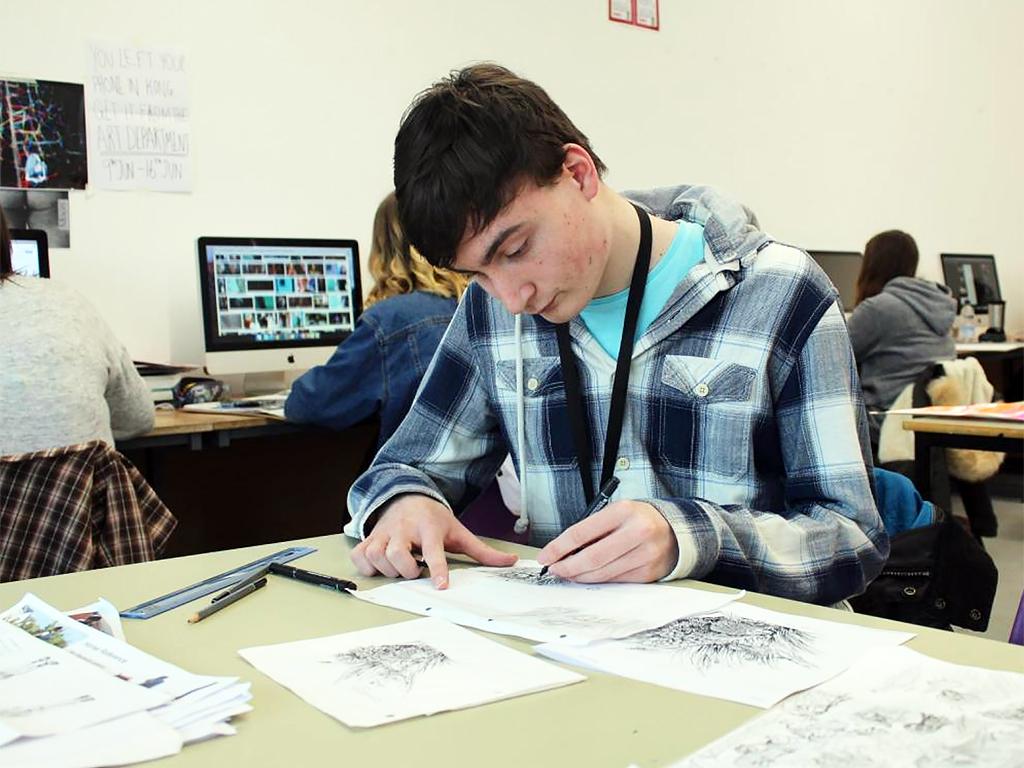 発達障害青年は自分を重ねイラストを描いた h5