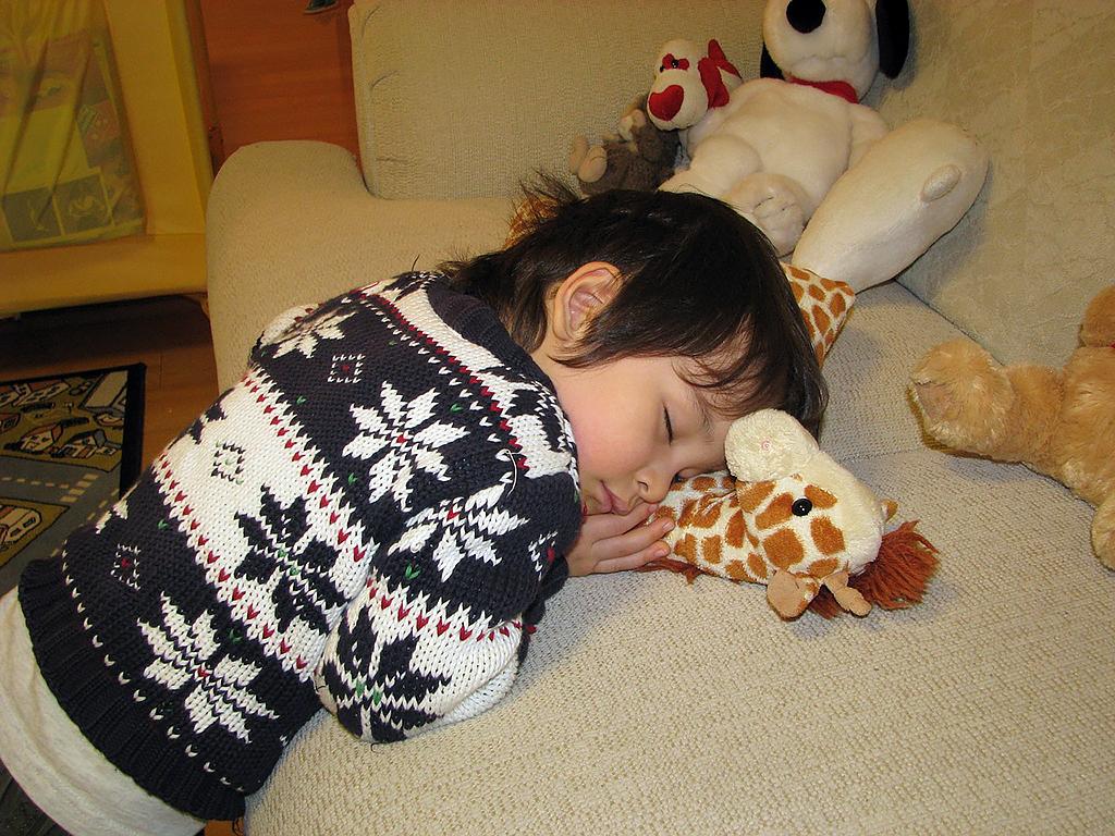 発達障害の症状が重いほど、睡眠時間は短くなる。大規模研究から s1