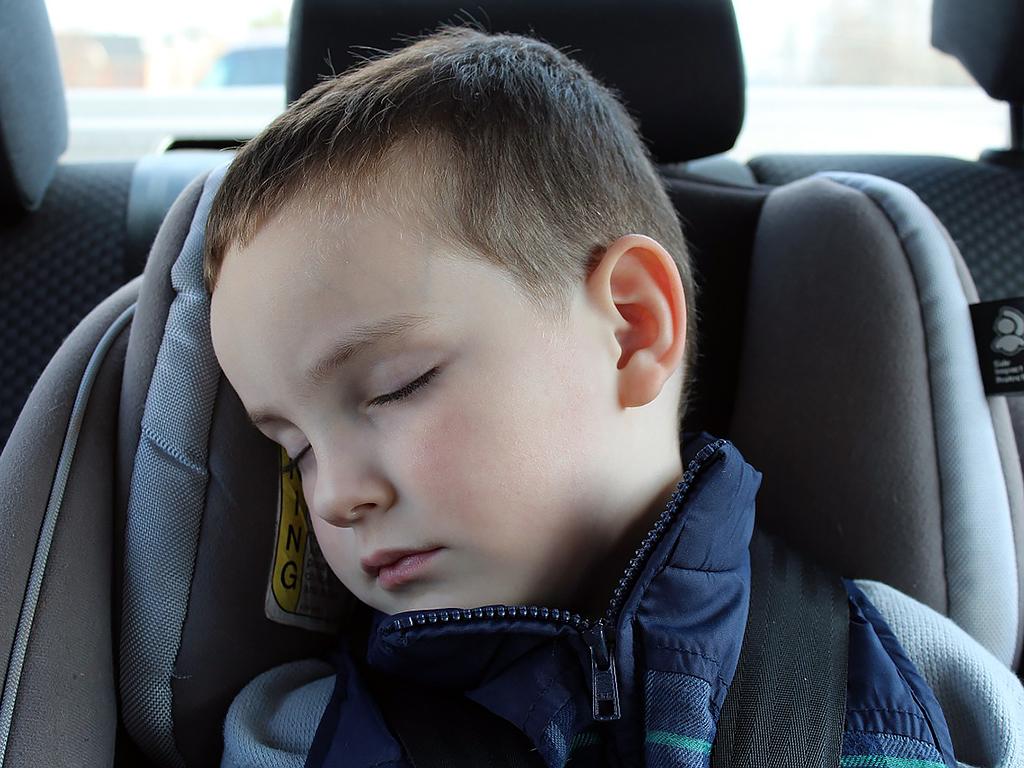 発達障害の症状が重いほど、睡眠時間は短くなる。大規模研究から s2-1