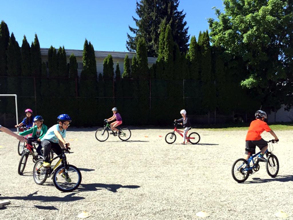 自転車が怖かった発達障害の子たちも3輪自転車で練習ができる b1-1