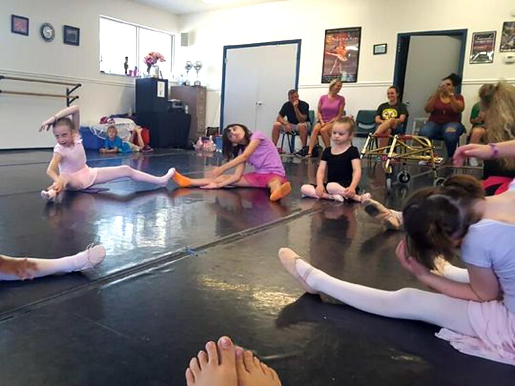 特別支援が必要な子ども向けのバレエ教室 b1