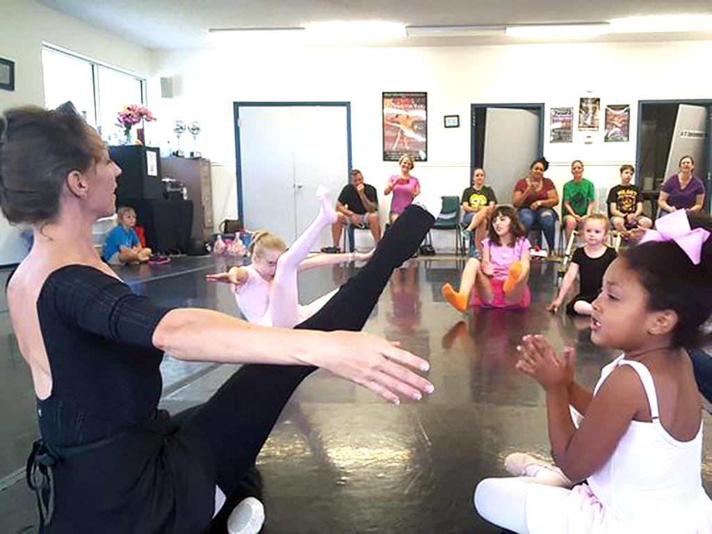 特別支援が必要な子ども向けのバレエ教室 b3