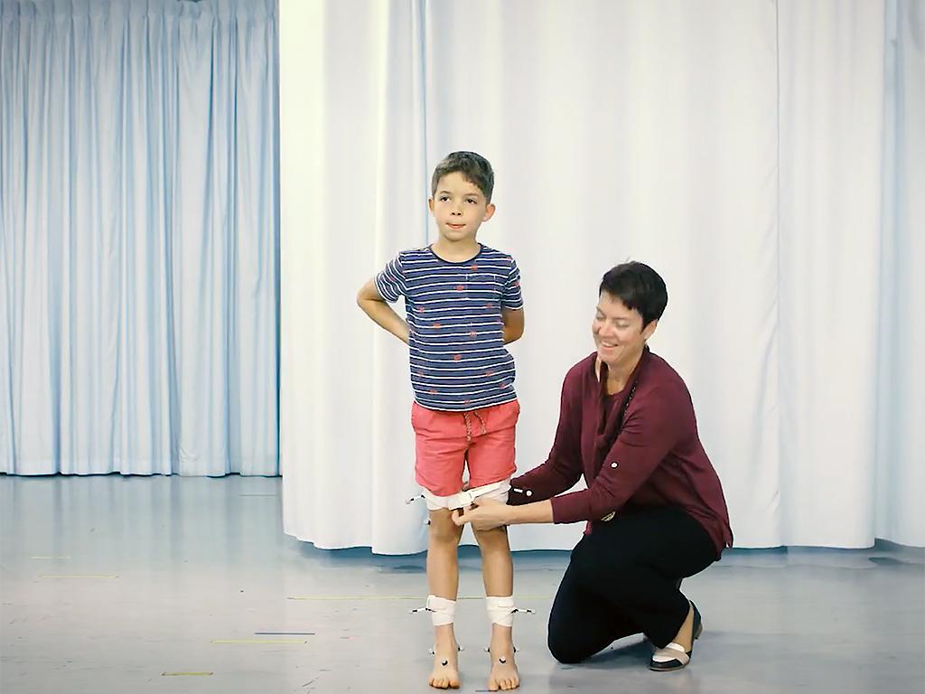 自閉症の子の多くには運動機能の障害もある w5