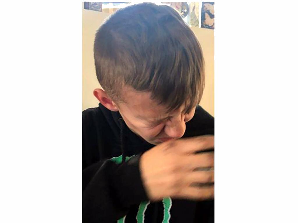 発達障害の少年は苦手な食べ物に毎日挑戦する