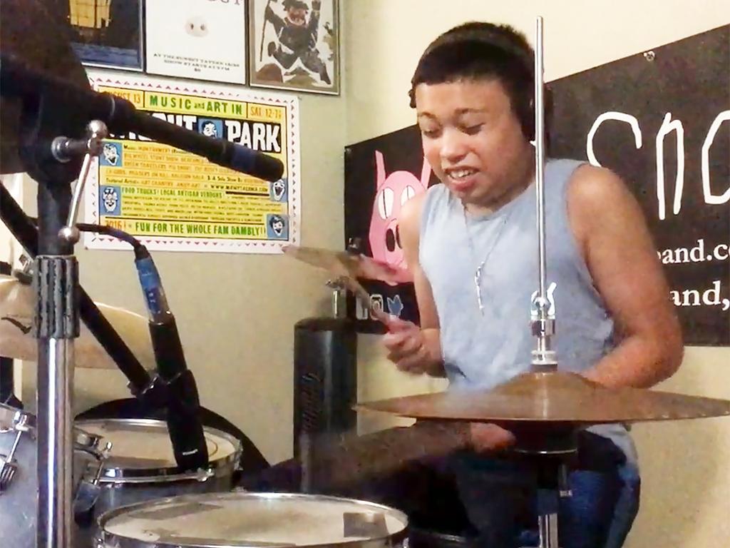 発達障害の子の父がはじめたバンド音楽療育