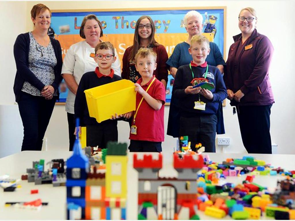 特別支援学校等で進められるレゴによる療育 l3