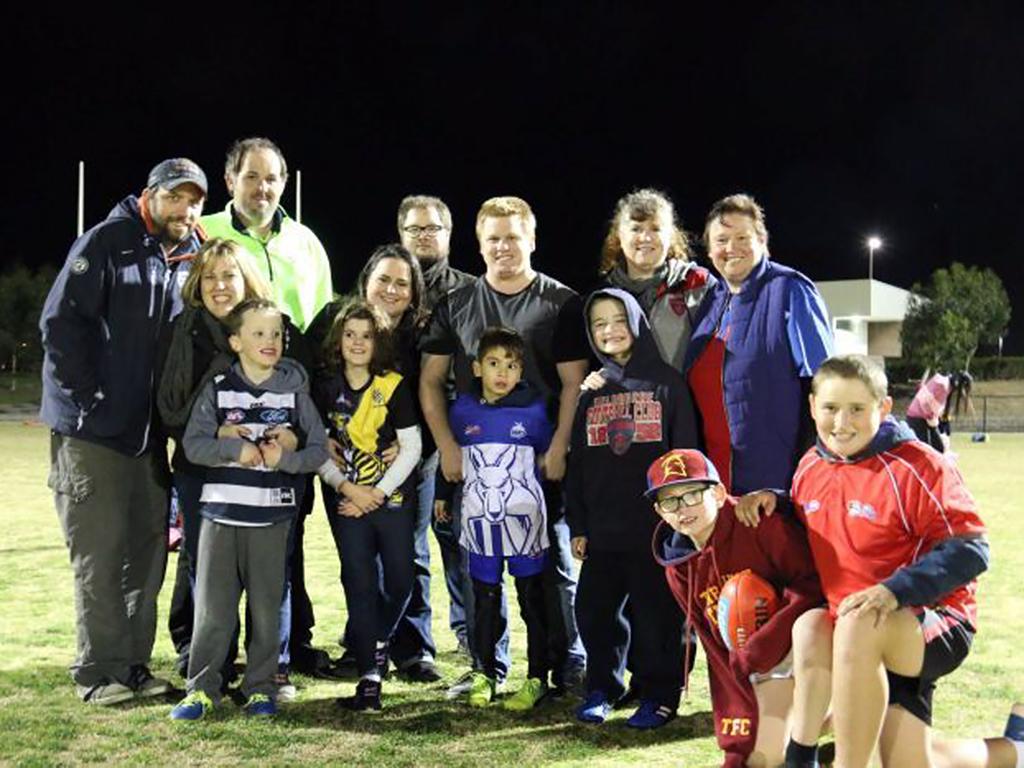 発達障害の子達を息子と母がスポーツで支援