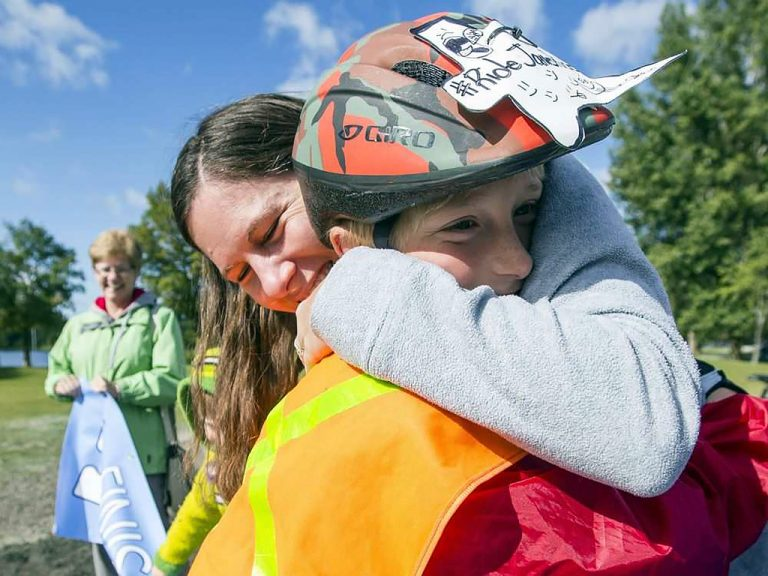 発達障害の子と父の自転車旅に応援が集まる