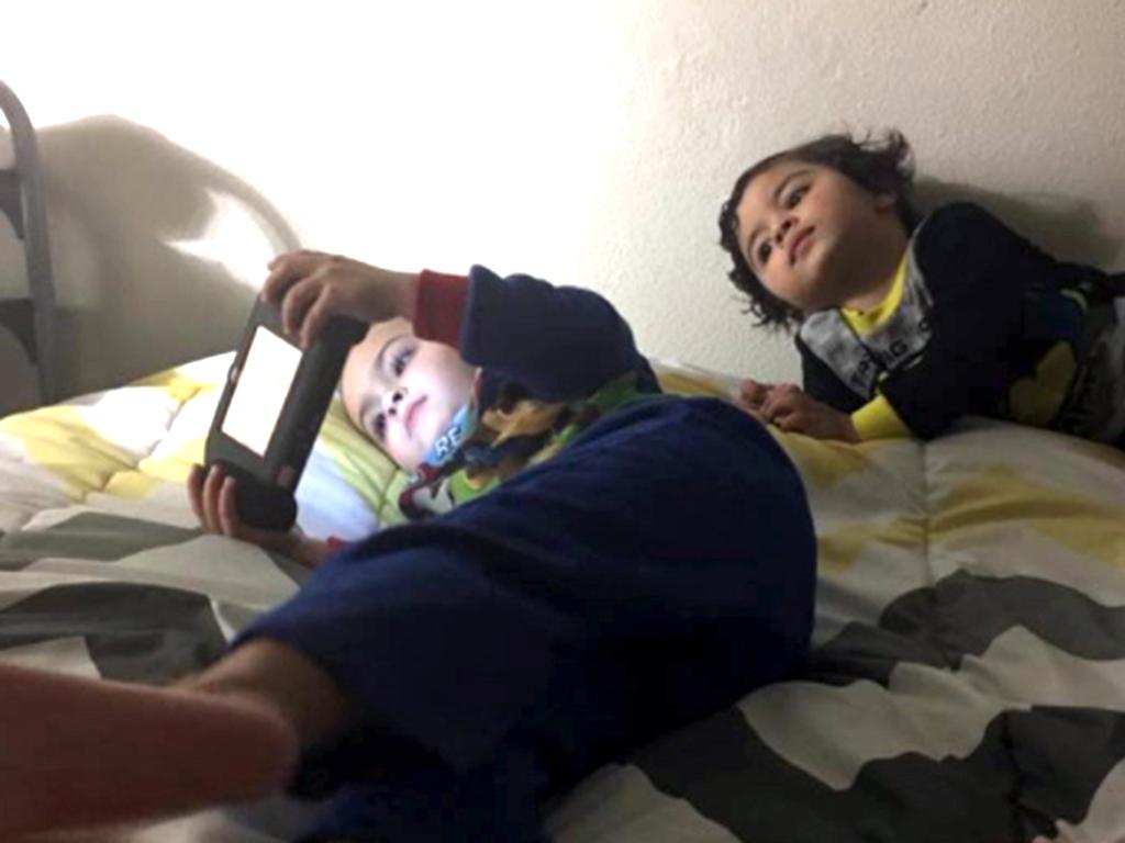 発達障害の子と父はテレビゲームで会話する
