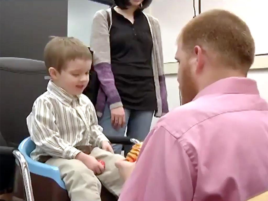 発達障害の子たちを安心させるためグッズとカートで取り組む病院 h5-2