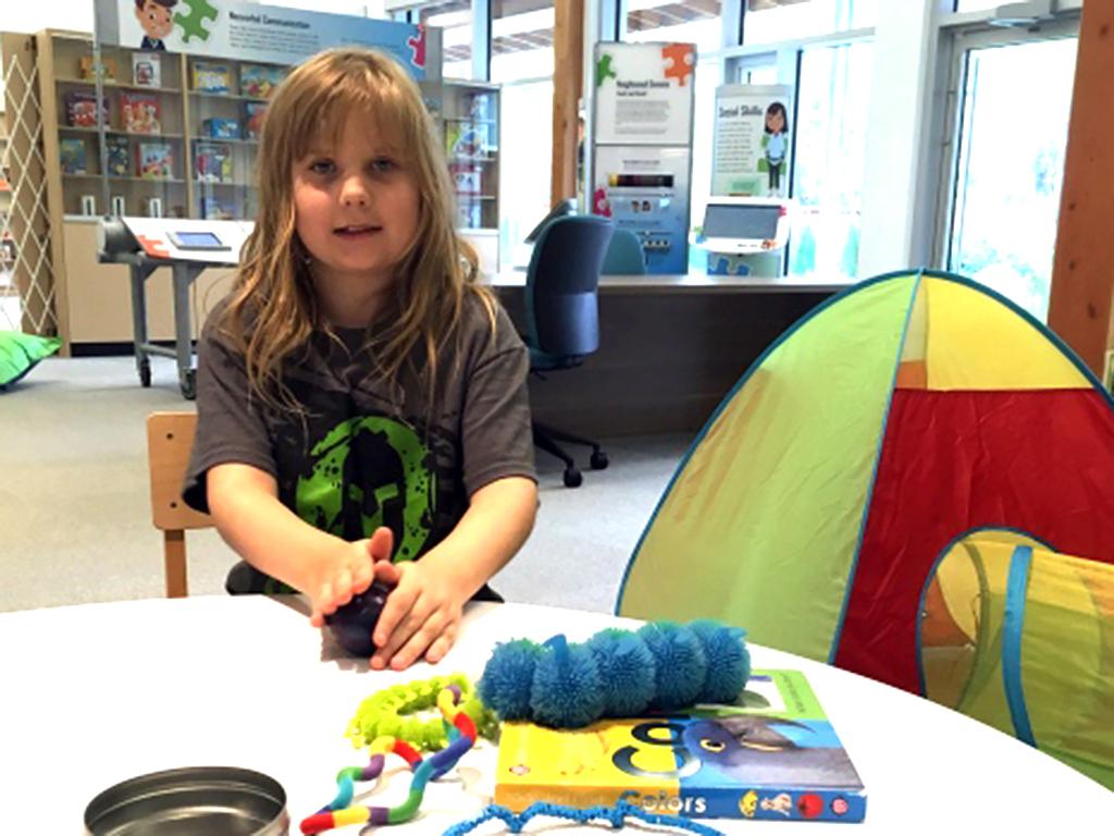 発達障害の子どもが騒いでも問題ない図書館で親たちも交流できる