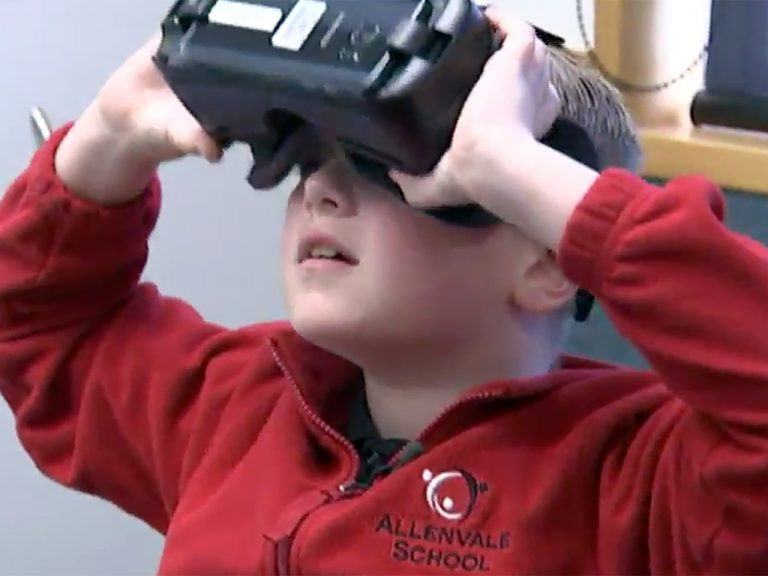 発達障害の子は学校に導入のVRで殻を破る
