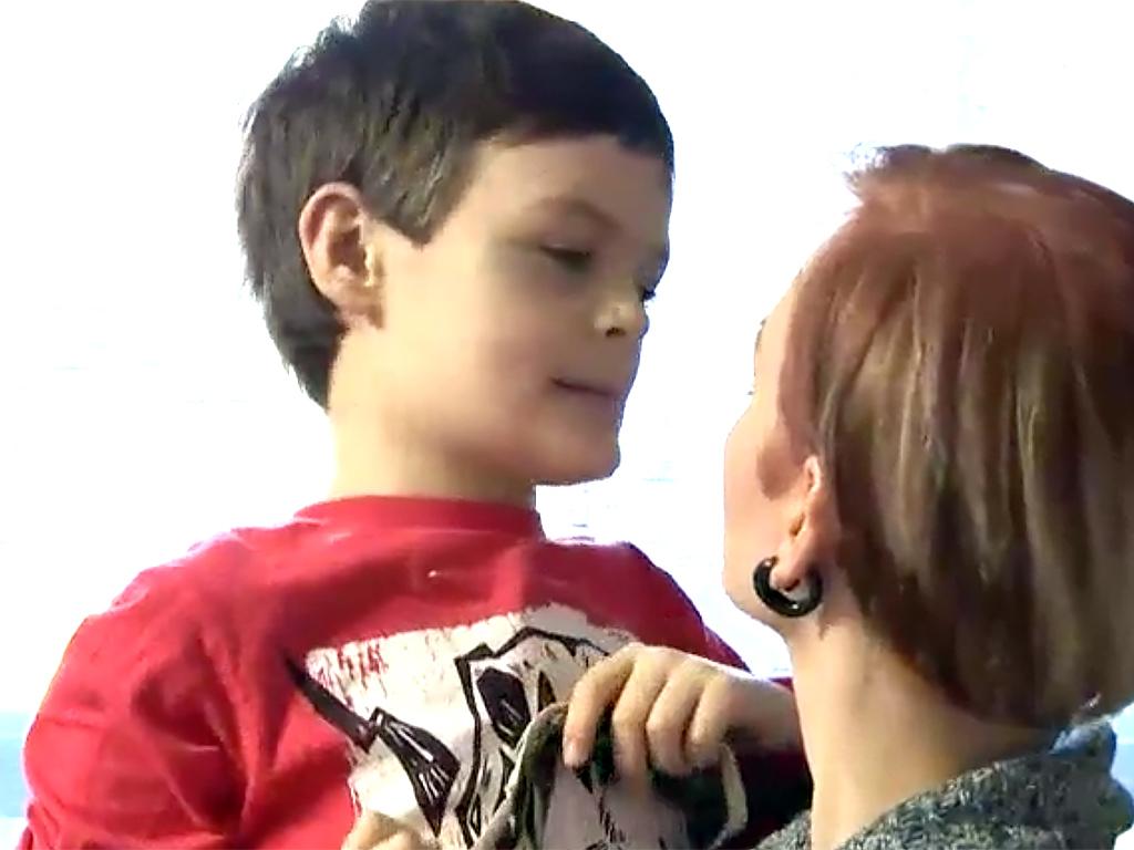 家は発達障害者向けの監獄のよう。暴力をふるう息子への親の決断 b10