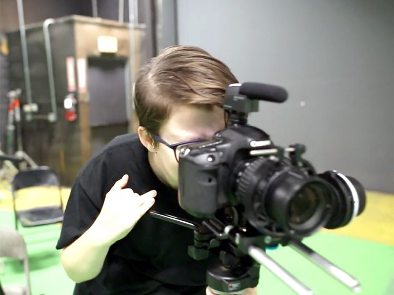 発達障害の若者が映像で仕事ができるように