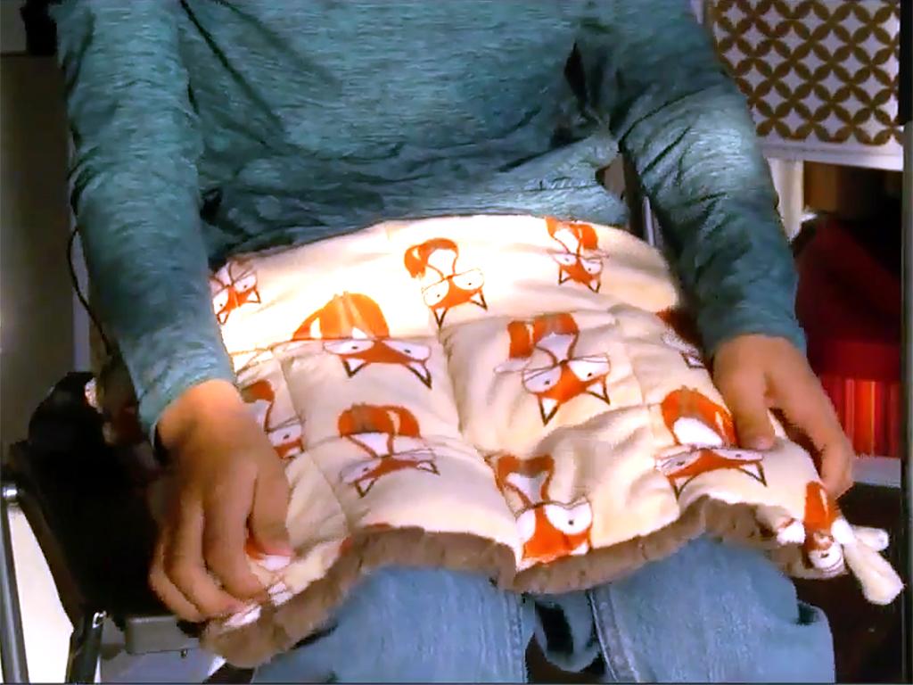 重さのある毛布とひざかけが不安障害や発達障害の人たちを助ける