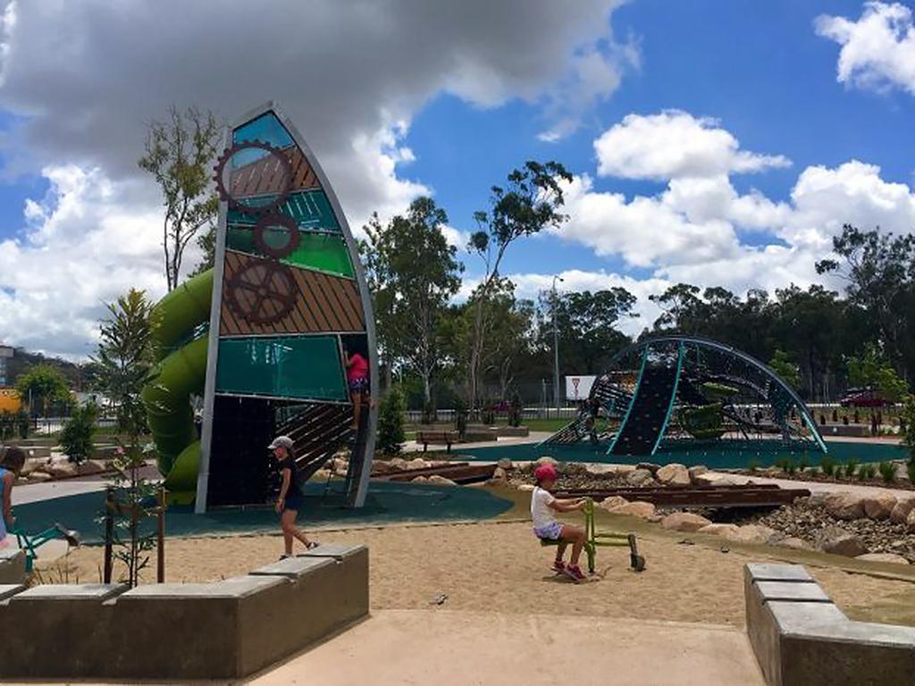 発達障害などに関わらず誰もが一緒に遊べる感覚に配慮された公園