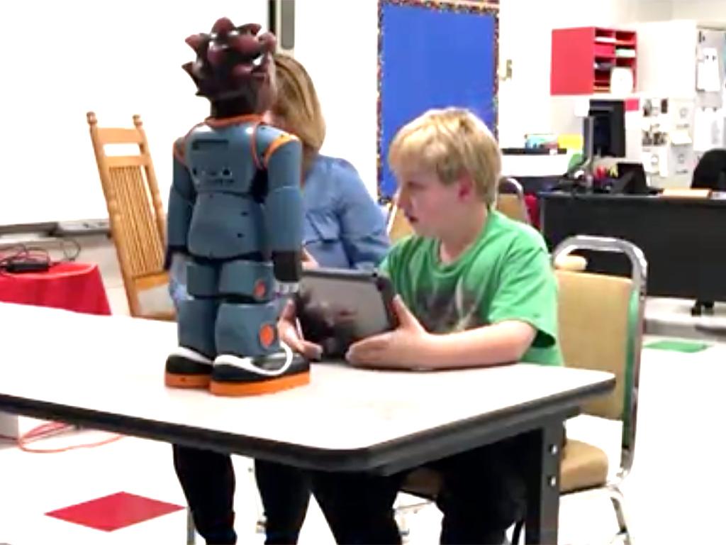 米国では発達障害の子への教育のため学校へのロボット導入が進む r15
