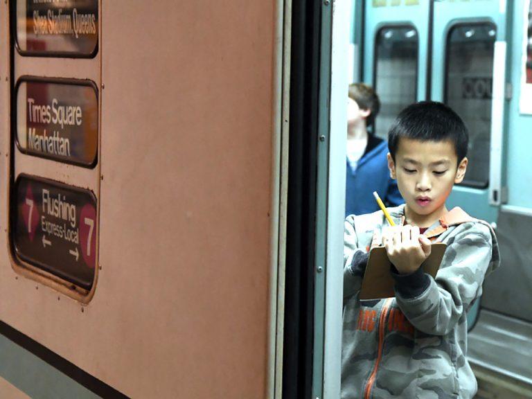 発達障害の子どもたちが地下鉄で学んで成長