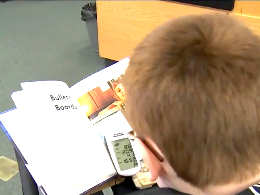 発達障害の子も落ち着いて本が読める。フィットネスバイク読書 b9