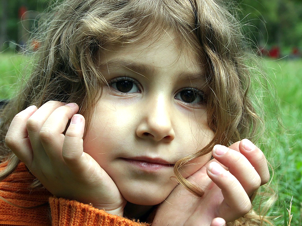 自閉症の女の子のほうが日常生活での困難をかかえることが多い