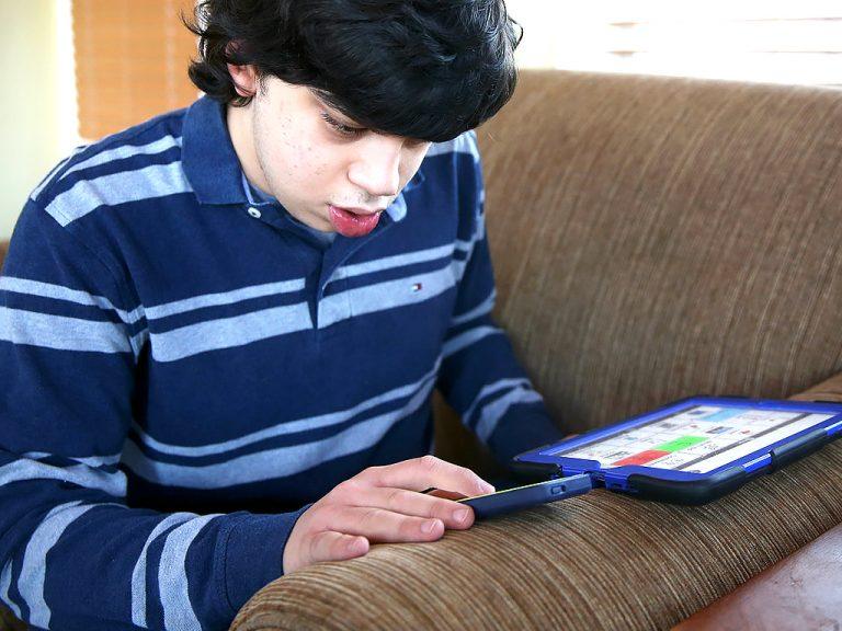 話せない発達障害の子がiPadを使うとメッセージを送れた。