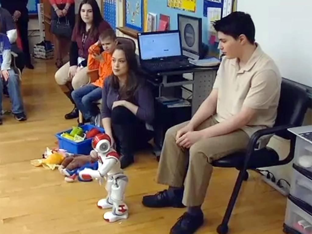 ロボットとやりとり、発達障害の子は言語だけでなく社会性も学ぶ r5-2