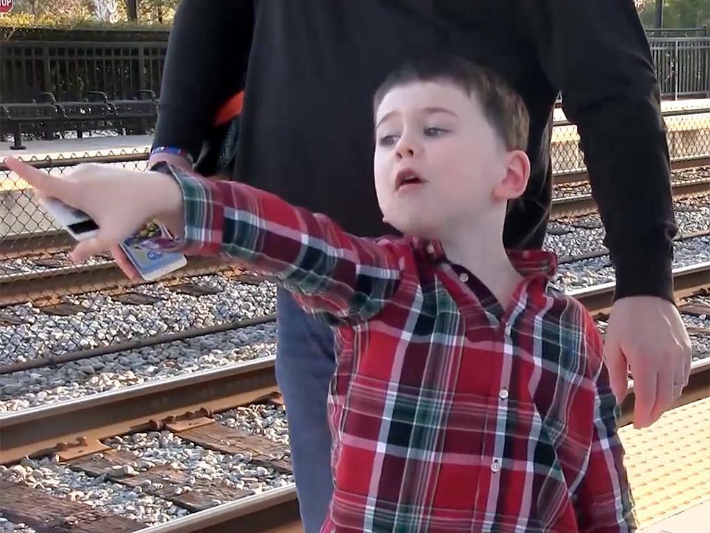 駅や電車は発達障害の人が社会性を学ぶのに素晴らしい機会になる r7-3