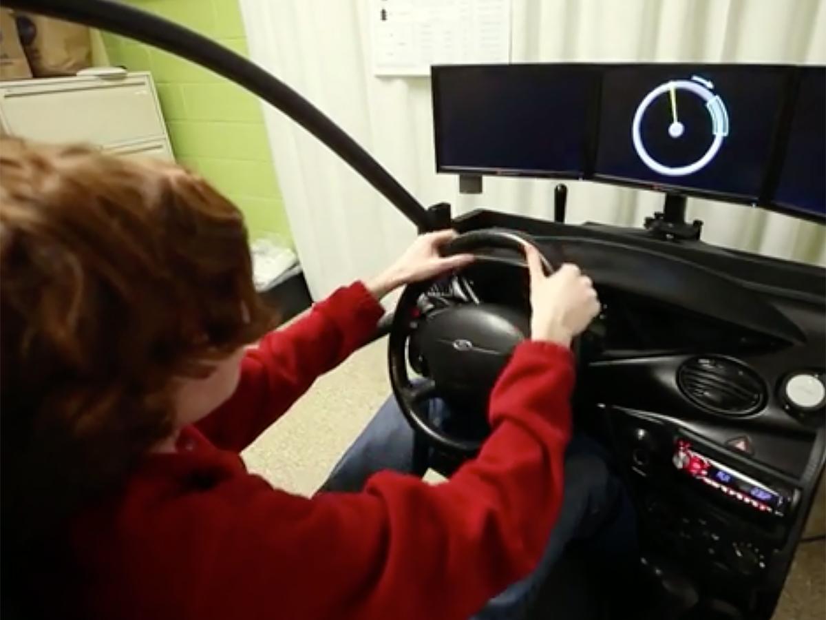 雇用されない理由にも。発達障害の人が学べる運転シミュレータ d4-2